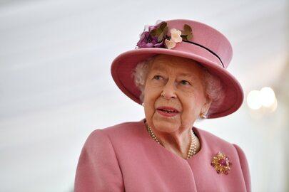 Królowa Elżbieta II pokazała się publicznie. Towarzyszył jej książę William