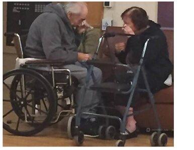 """Rozdzieleni po 62 latach małżeństwa. """"To jedno z najbardziej smutnych..."""