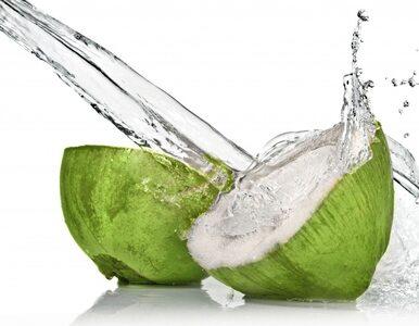 Woda kokosowa nawadnia 10 razy lepiej niż zwykła woda. 7 powodów, dla...