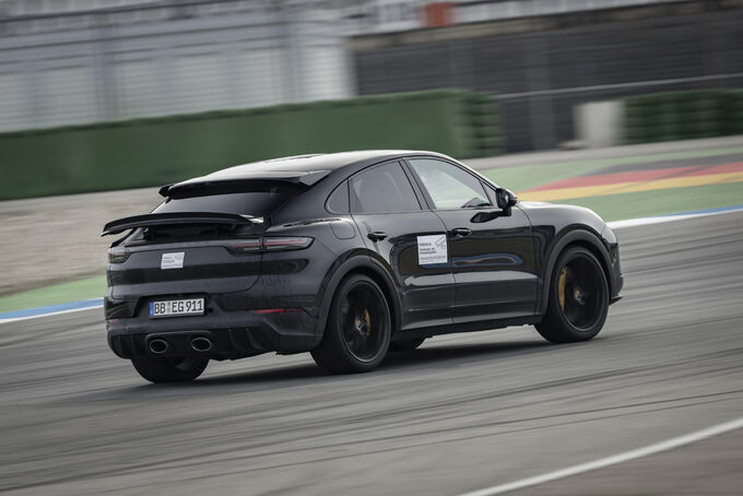 Walter Röhrl testuje nowe Porsche