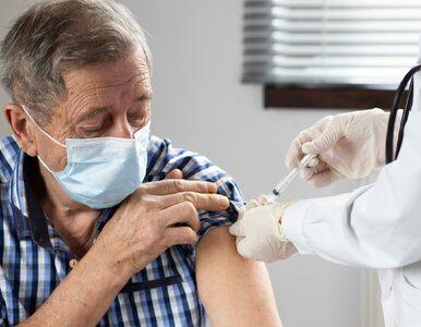 Trzecia dawka szczepionki? Rada Medyczna rozważa podawanie preparatu...