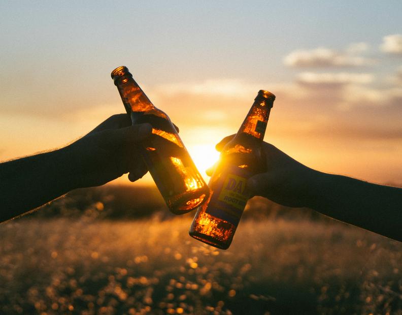 Czy na diecie wysokotłuszczowej można pić alkohol? Odpowiedź może zaskoczyć