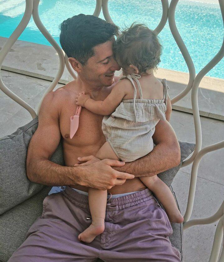 Robert Lewandowski z córką Laurą