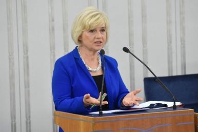 Lidia Staroń nie zostanie RPO. Zostanie swąd szamba, które wylało w Senacie