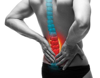 Przepuklina kręgosłupa – choroba pracowników biurowych? Przyczyny, leczenie