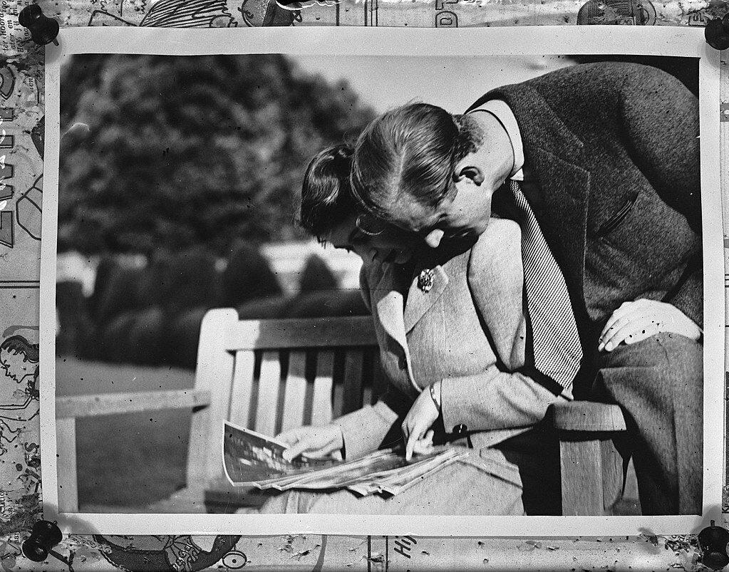 Książę Filip z księżniczką Elżbietą w 1947 roku