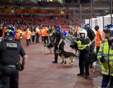 Chaos na stadionie, kibice siłą wdarli się na trybuny. Mecz zaczął się z...