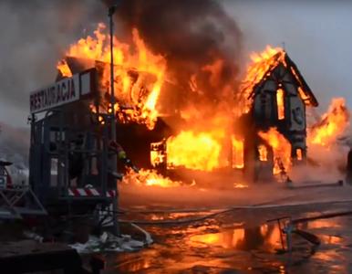 """Spłonęła restauracja z """"Kuchennych rewolucji"""". Z ogniem walczyło 21..."""