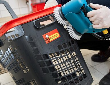 Biedronka zwiększa częstotliwość mycia wózków. Pokazuje, jak przebiega...