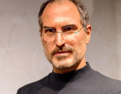 Wizjoner i buddysta w czarnym golfie. 10 lat temu zmarł Steve Jobs