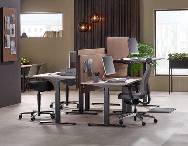 Jak wybrać biurko do biura?