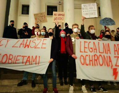 Zatrzymany po proteście w Warszawie skarży się na działania policji....
