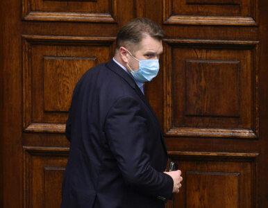 """Minister posłał """"buziaka"""" protestującym. Krzyczeli """"Czarnek precz!"""""""