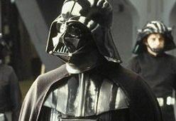Kto przeciągnął Dartha Vadera na ciemną stronę Mocy?