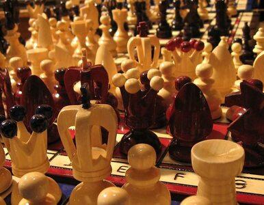 Były mistrz świata zagrał z więźniami w szachy