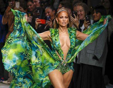 Jennifer Lopez w Versace po 20 latach znów błyszczała. Mąż pokazał jej...