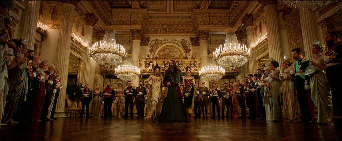 """Kadr z filmu """"King's Man: Pierwsza misja"""""""