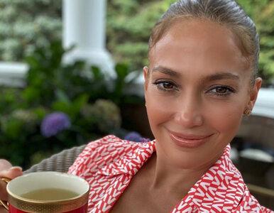 """Jennifer Lopez odtworzyła słynną scenę z teledysku. """"Fantastyczny prezent"""""""