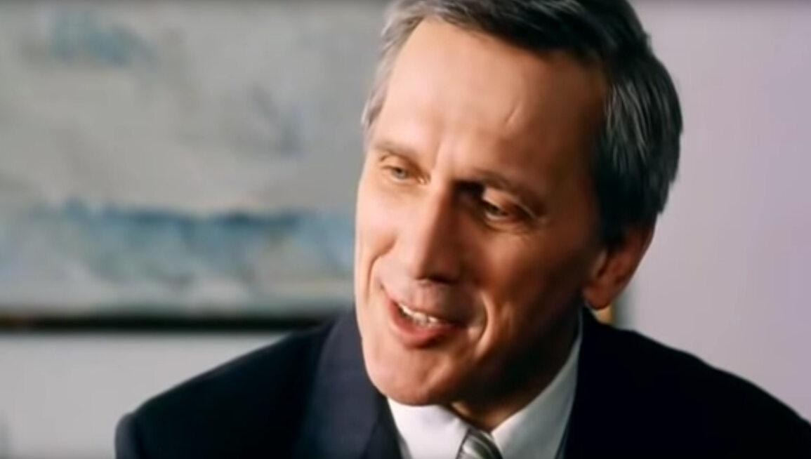 """Jan Englert w filmie """"Kiler"""" (1997)"""
