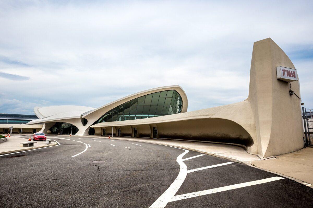 TWA Hotel TWA Hotel w opuszczonym terminalu lotniskowym