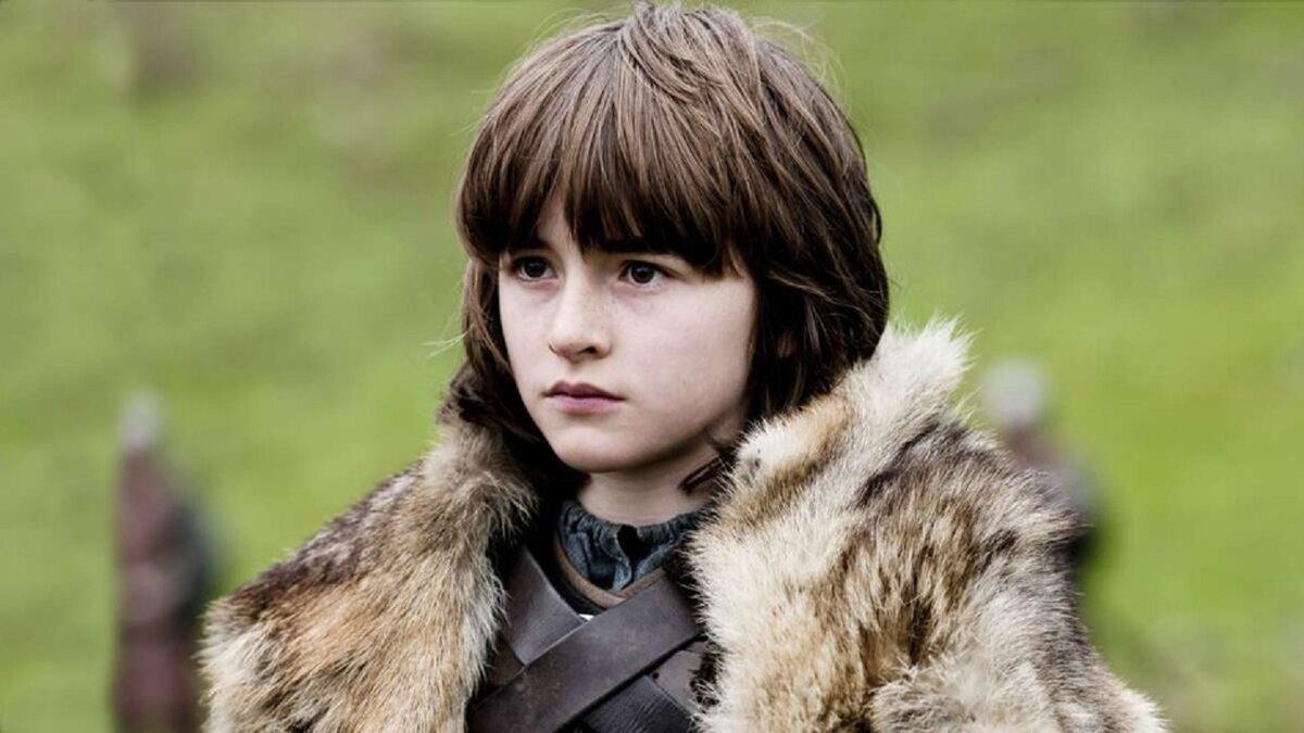 """Bran Stark sezon 1 Isaac Hempstead-Wright miał 12 lat, gdy pojawił się w """"Grze o tron"""" po raz pierwszy."""