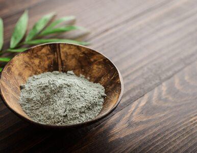 Glinka zielona koi tłustą cerę i zmniejsza produkcję sebum