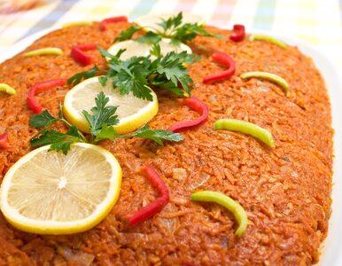 Tradycyjny przepis na rybę po grecku. Tego dania nie może zabraknąć na...