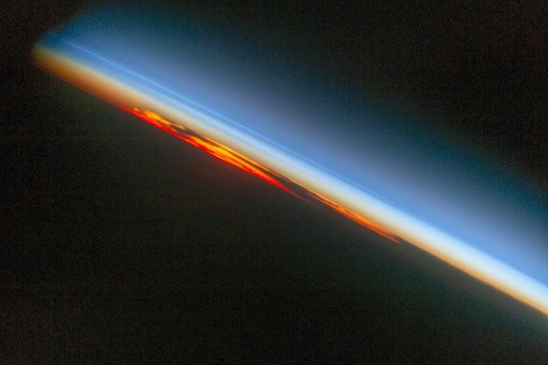 Płomienny zachód słońca nad Atlantykiem. 520,553 polubień