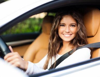 Komu nie wolno jeździć samochodem podczas ograniczeń w przemieszczaniu się?