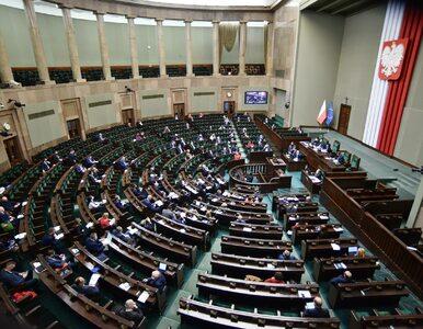 Sejm przyjął poprawki do ustawy okołobudżetowej. 6,6 mld zł dla PFR