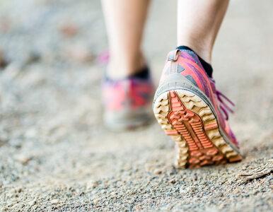 Nosisz buty sportowe? Ten jeden błąd powoduje grzybicę stóp