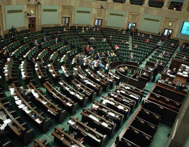 4 partie w Sejmie, ale... PO miażdży PiS, czy PiS przed PO?