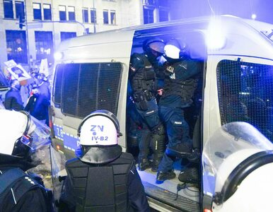 """Chodźcie z nami"". Prawnicy pomogą policjantom, którzy wsparli protest..."