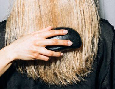 Jak prawidłowo czesać włosy? Większość z nas robi to źle