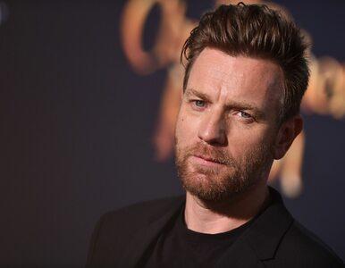 Ewan McGregor zagra w serialu. Wcieli się w rolę słynnego projektanta