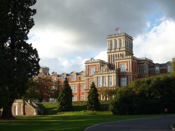 Royal Earlswood Hospital został przekształcony wrezydencję mieszkalną, zdj. współczesne