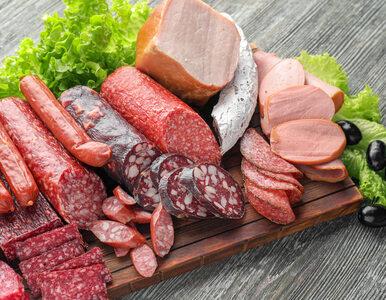 Spożywanie zaledwie 25 g przetworzonego mięsa dziennie może zwiększyć...