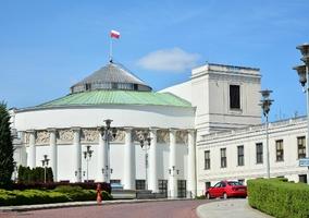 Stan wyjątkowy. Sejm zdecydował ws. rekompensat dla przedsiębiorców
