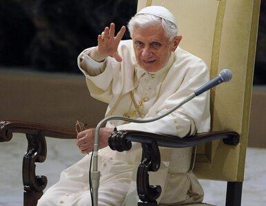 Benedykt XVI: jesteśmy mali, a wydaje nam się, że jesteśmy wielcy