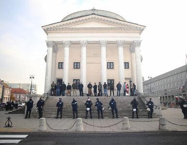 Nieoficjalnie: Stołeczna policja pilnuje kościołów i mieszkań posłów PiS