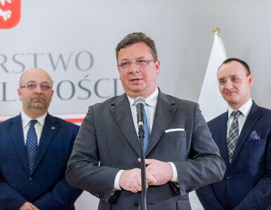 Wójcik odpowiada Bodnarowi: Jakub A. był boso, bo policja nie chciała...