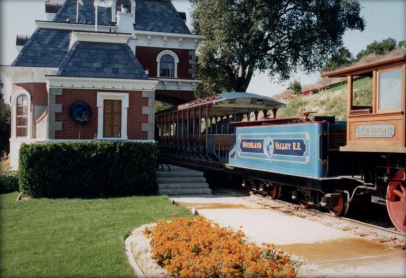Domek nad stacją kolejową
