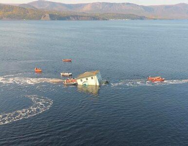 Wodna przeprowadzka domu w Nowej Funlandii