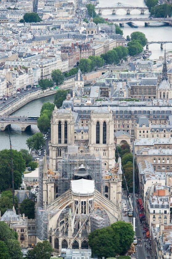 Odbudowa katedry Notre Dame