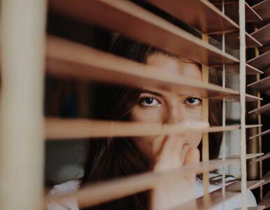 Jesteś przerażony znoszeniem obostrzeń? Psycholog radzi, jak zapanować...