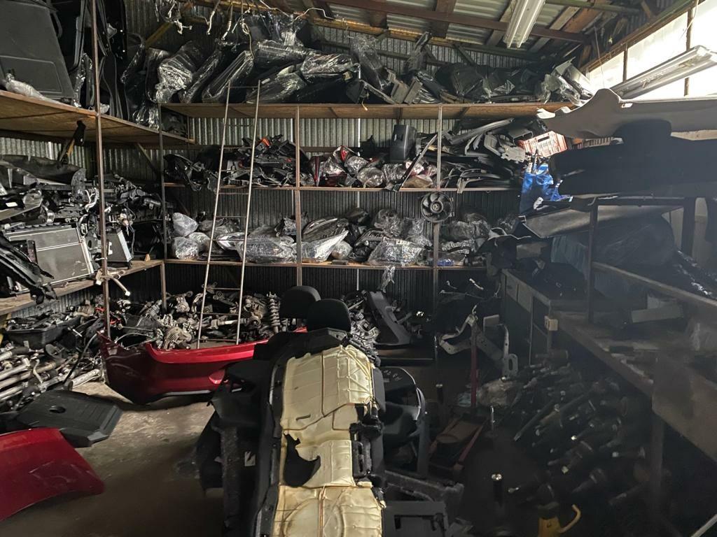 Wnętrze dziupli samochodowej