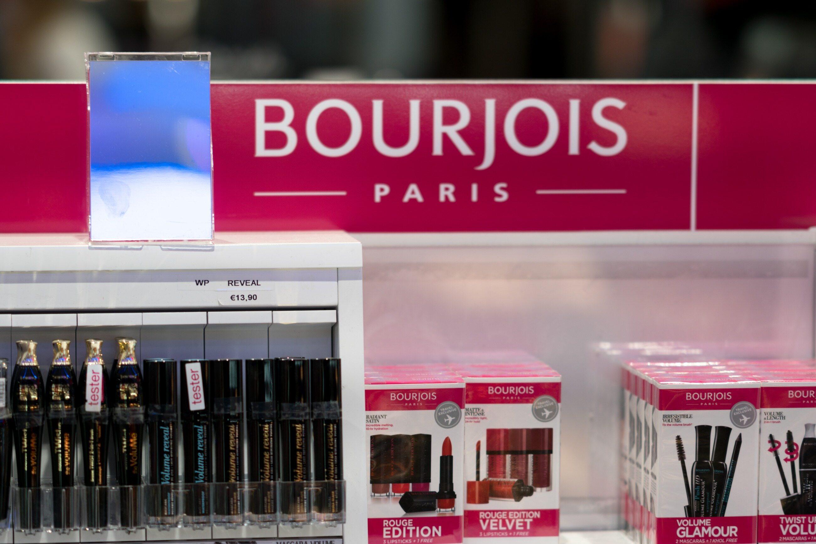 Nazwę kosmetyków uwielbianych nie tylko przez paryżanki wymieniamy jako: