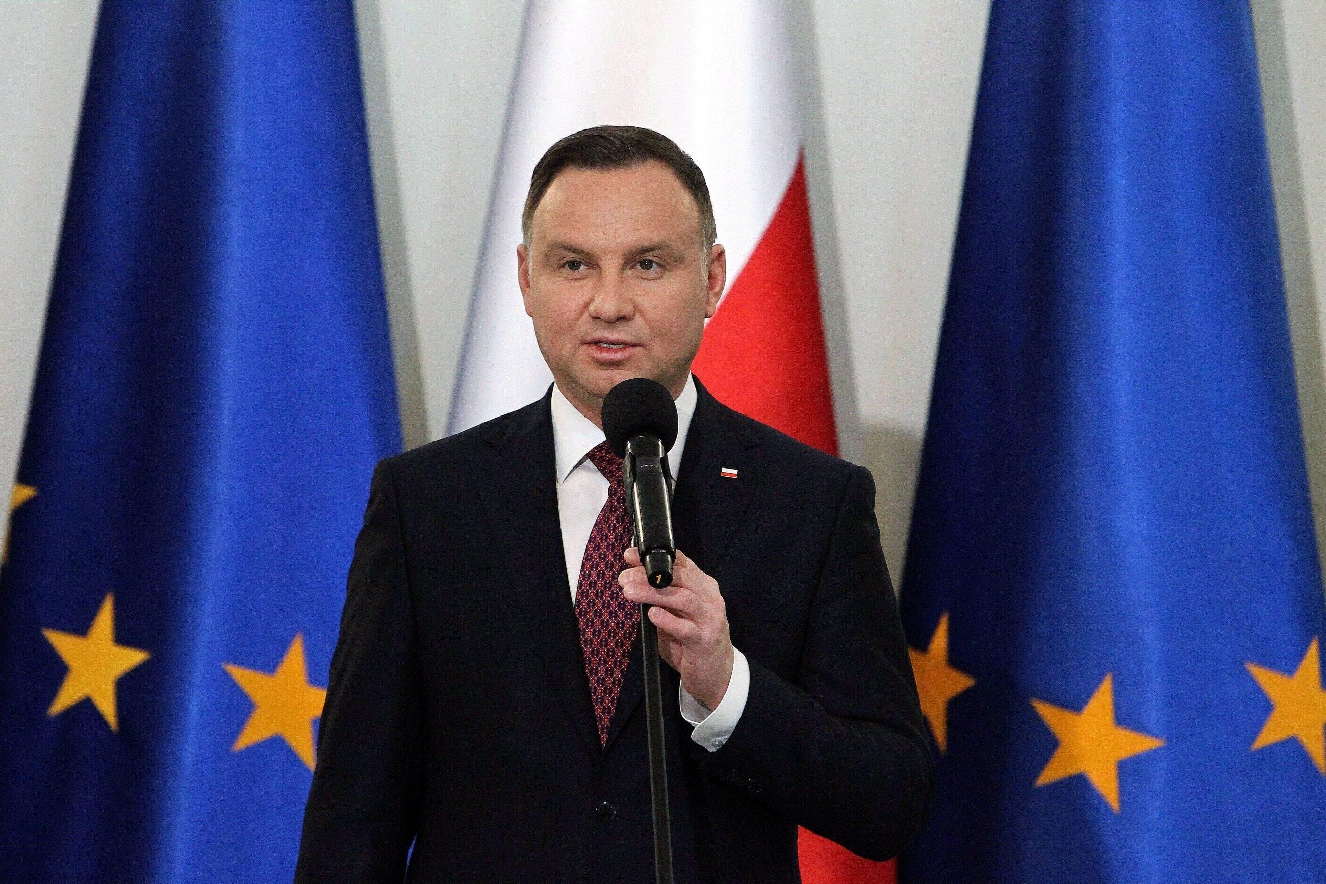 Z sondażu IBRiS przeprowadzonego dla Onetu wynika, że największym zaufaniem Polacy darzą prezydenta Andrzeja Dudę. Kto jest liderem rankingu nieufności?