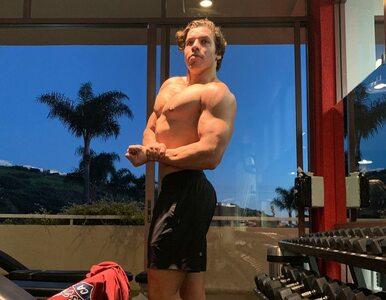 21-letni syn Arnolda Schwarzeneggera w słynnej pozie. Przypomina ojca?