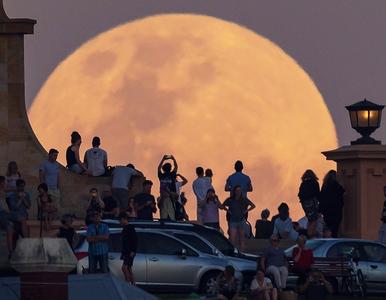 """""""Super Blue Blood Moon"""". W środę na niebie dojdzie do niesamowitego..."""